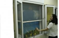 Cửa lưới chống muỗi hoạt động như thế nào?